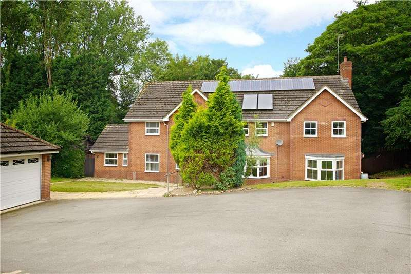 5 Bedrooms Detached House for sale in Standing Stones, Great Billing, Northamptonshire
