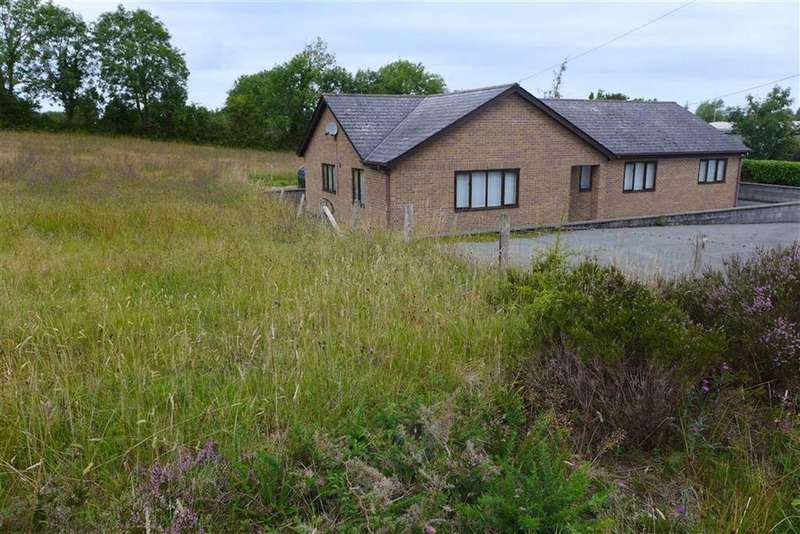 3 Bedrooms Bungalow for sale in Llanrhystud, Ceredigion, SY23