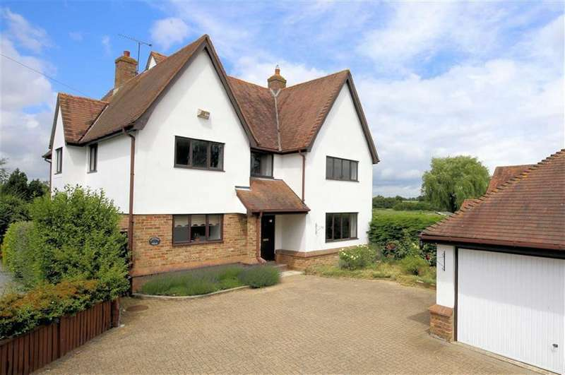 5 Bedrooms Detached House for sale in Dunmow Road, Fyfield, Essex