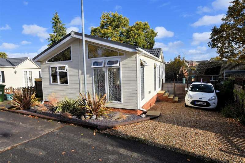 2 Bedrooms Mobile Home for sale in Second Avenue, Garston Park, Tilehurst, Reading