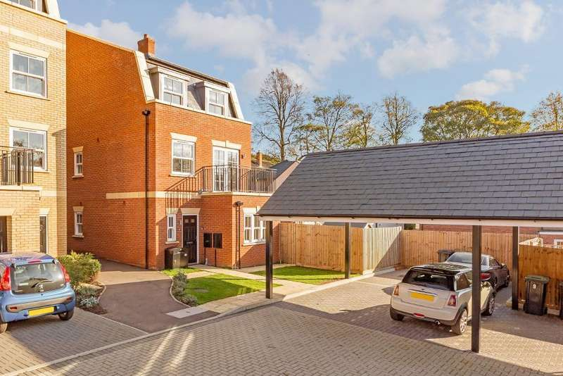 5 Bedrooms Detached House for sale in Richardson Court, Ampthill, Bedfordshire, MK45 2AR