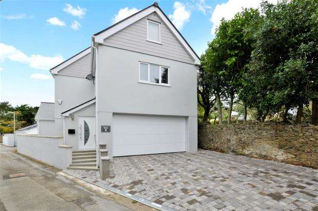 5 Bedrooms Detached House for sale in Windsor Lane, Saltash, Cornwall
