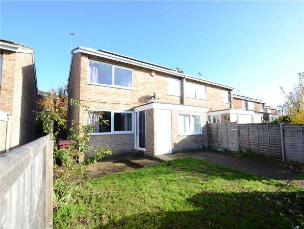 3 Bedrooms Semi Detached House for sale in Kingsway, Caversham, Reading