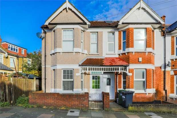 3 Bedrooms End Of Terrace House for sale in Datchet Road, London
