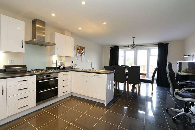 3 Bedrooms Terraced House for sale in Shoe Lane, Paulton, Bristol, Somerset, BS39 7AN