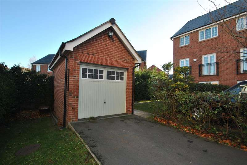 5 Bedrooms Semi Detached House for sale in Monks Place, Central Warrington, Warrington, WA2