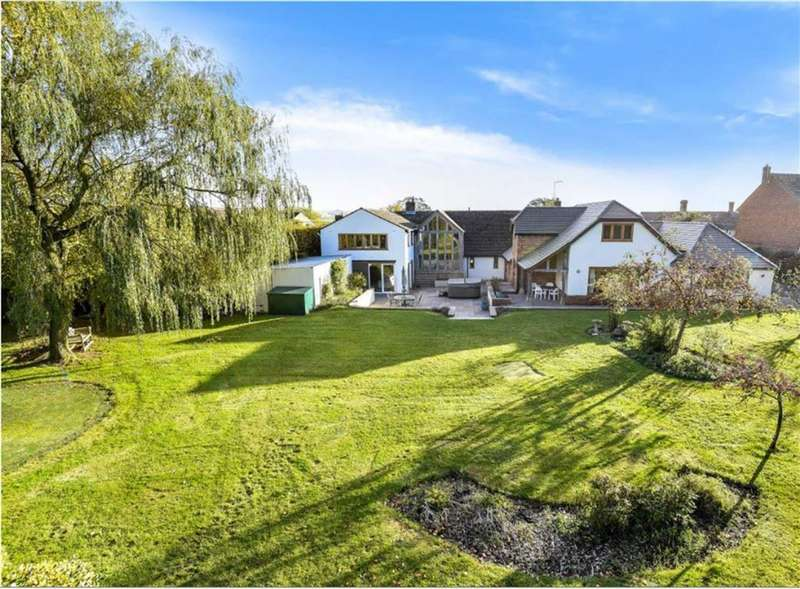 7 Bedrooms Detached House for sale in Broad Hinton