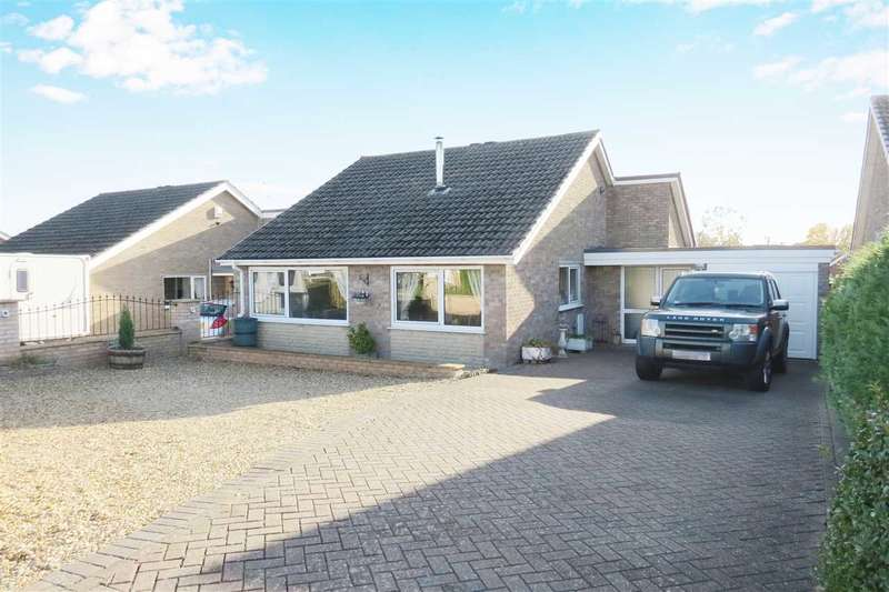 3 Bedrooms Detached Bungalow for sale in Middleton Way, Leasingham