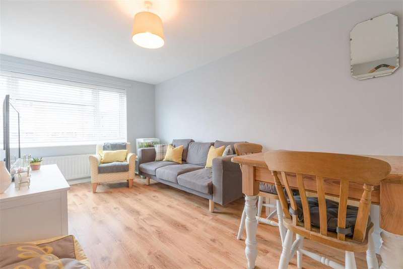 1 Bedroom Apartment Flat for sale in Hanover Way, Windsor