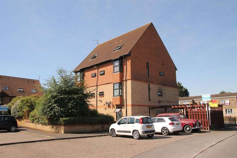 Studio Flat for sale in Holmlea Road, Datchet, Slough