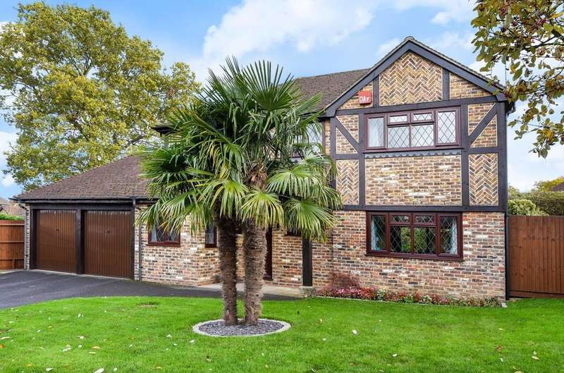 4 Bedrooms Detached House for sale in Kingfisher Close, Rowlands Castle, PO9
