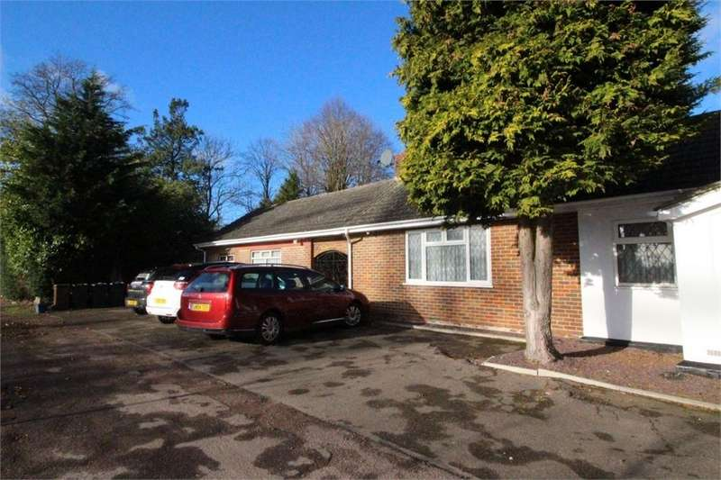 6 Bedrooms Detached Bungalow for sale in Green Street, Shenley, Radlett