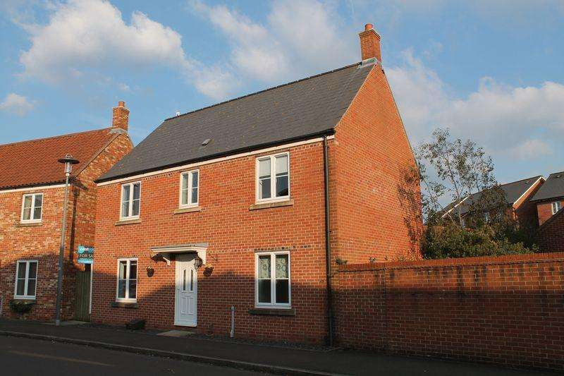 4 Bedrooms Detached House for sale in Finisterre Parade, Bristol