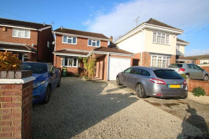 4 Bedrooms Detached House for sale in Elm Grove, Hullbridge