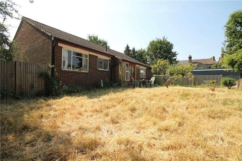 3 Bedrooms Bungalow for sale in Norbury Crescent, London, London, SW16 4JT