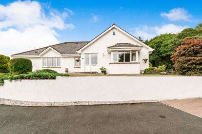 3 Bedrooms Bungalow for sale in Wotter, Plymouth, Devon
