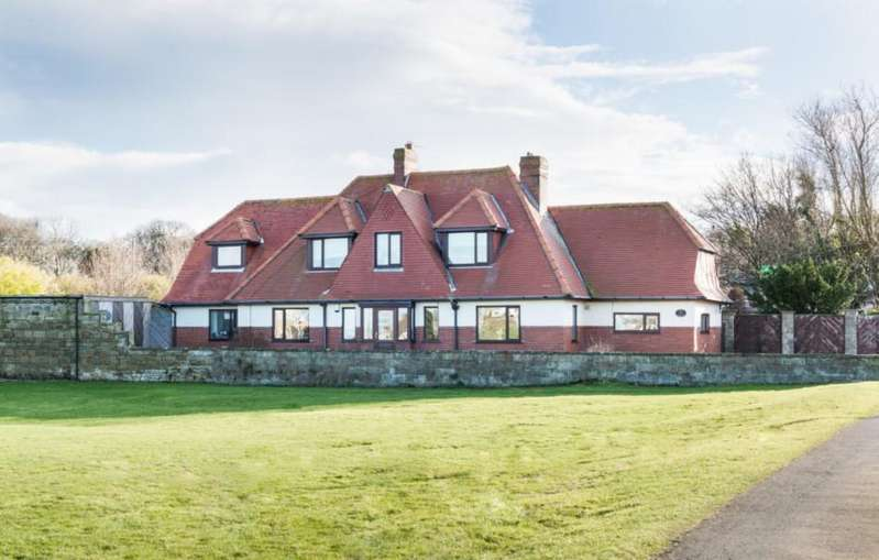 4 Bedrooms Detached House for sale in Red Gables, Cresswell, Northumberland, NE61