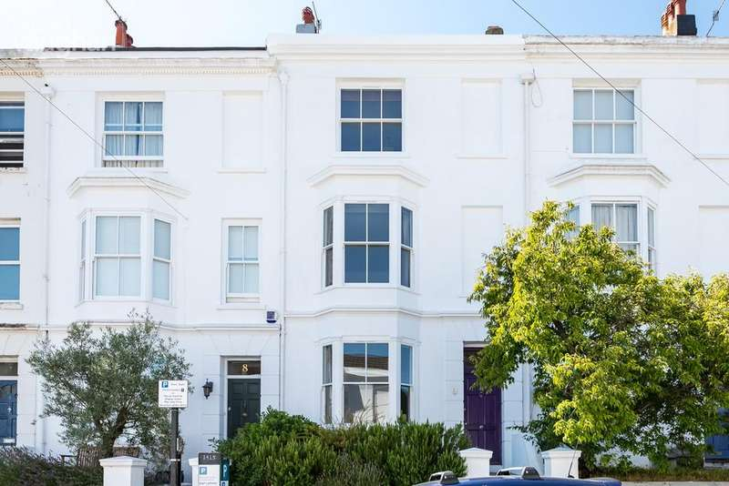 4 Bedrooms Terraced House for sale in Clifton Street, Brighton, BN1