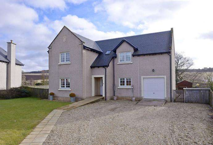 4 Bedrooms Detached House for sale in 2 Cherry Dean, Jedburgh TD8 6JF