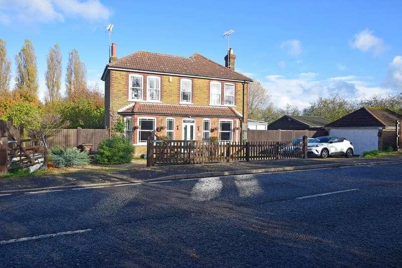 3 Bedrooms Detached House for sale in Lower Rainham Road, RAINHAM, ME8