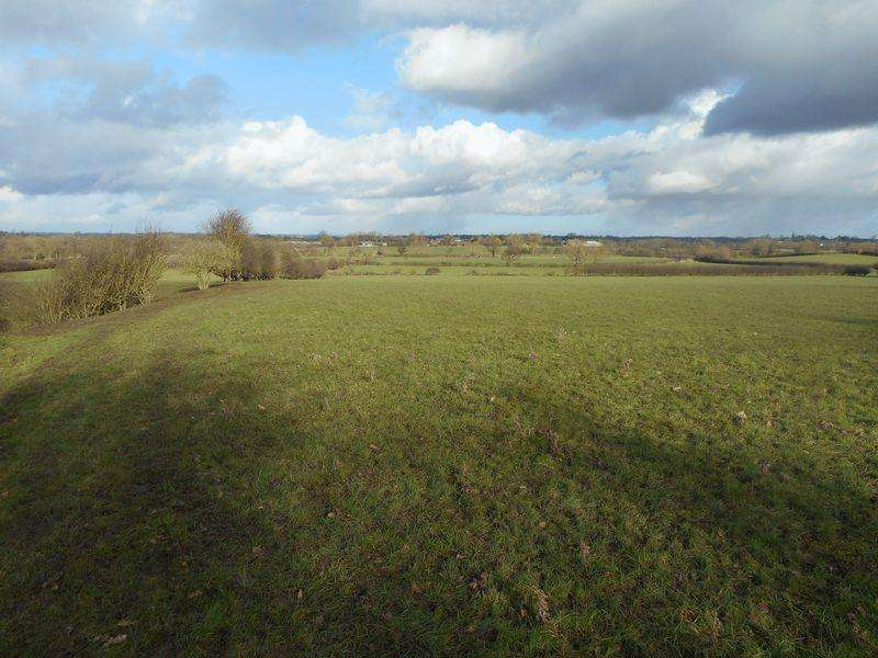 Farm Land Commercial for sale in 43.42 acres (17.571 hectares) of Pasture Land off Sutton Road, Church Broughton, Derbyshire
