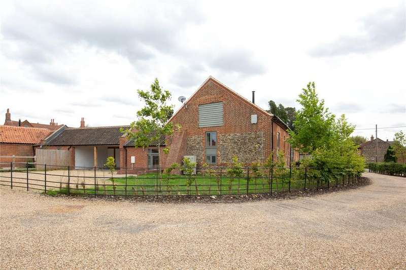 3 Bedrooms Barn Conversion Character Property for sale in Manor Barns, The Street, Little Snoring, Fakenham, NR21