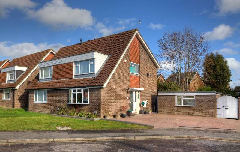 3 Bedrooms Semi Detached House for sale in Narromine Drive, Calcot, Reading, RG31 7ZL