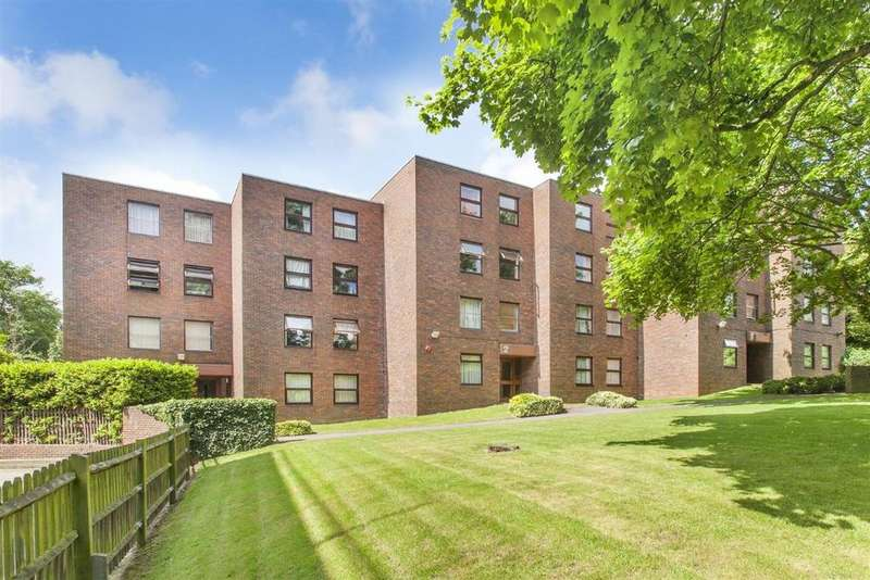 2 Bedrooms Flat for sale in Westmeath House, Brook Road NW2