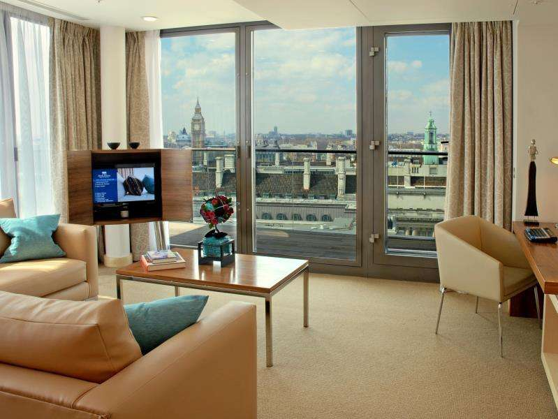 1 Bedroom Flat for sale in Park Plaza, County Hall, South Bank, SE1