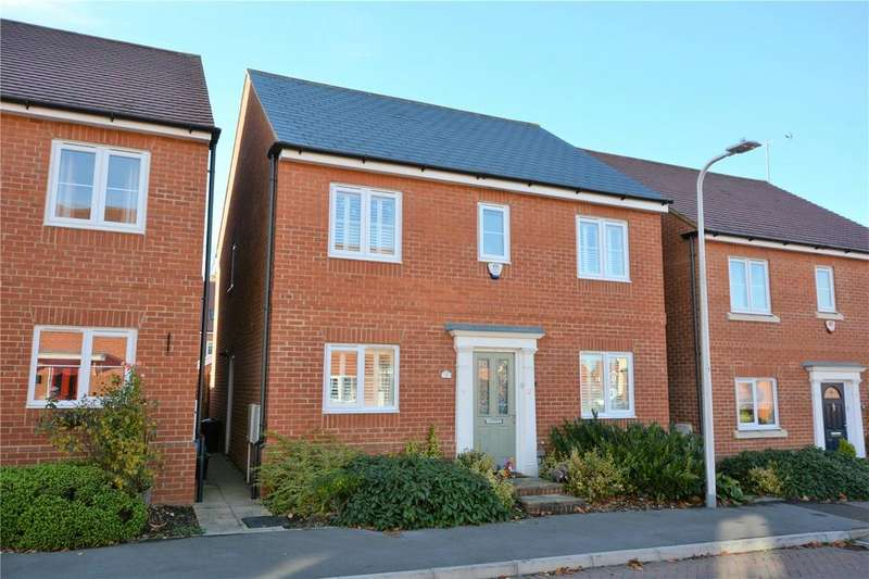 4 Bedrooms Detached House for sale in Sika Gardens, Three Mile Cross, Reading, Berkshire, RG7