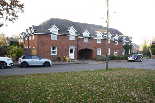 2 Bedrooms Maisonette Flat for sale in Mowsley Court, Mowsley Road, Husbands Bosworth, Leicestershire