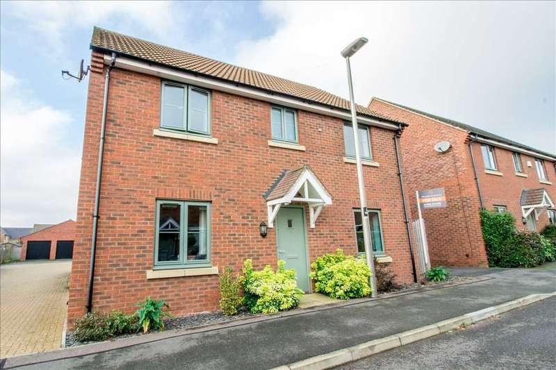 4 Bedrooms Detached House for sale in Weavers Lane, Oakridge Park, Milton Keynes