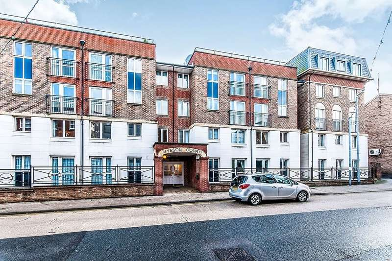 1 Bedroom Flat for sale in Vyeson Court Queen Street, Ramsgate, CT11