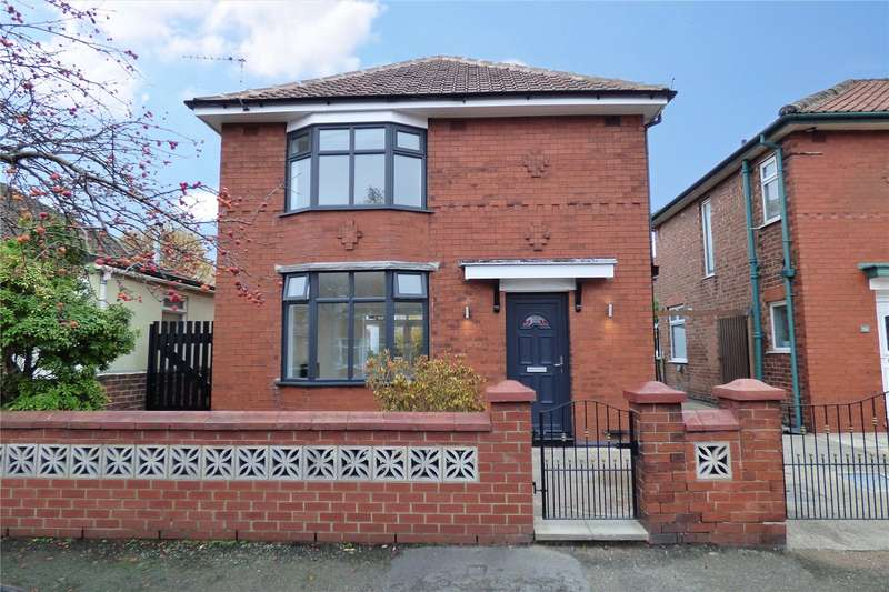 3 Bedrooms Detached House for sale in Blue Bell Avenue, Moston, Manchester, M40