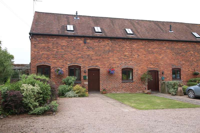 3 Bedrooms Barn Conversion Character Property for sale in Pansington Farm Barns, Titton, Stourport-on-Severn, DY13