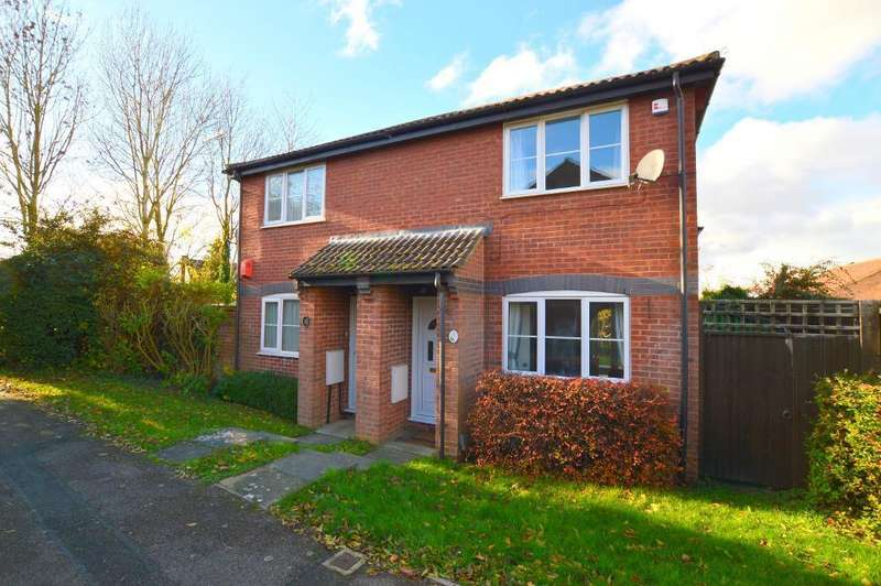 2 Bedrooms Semi Detached House for sale in Benington Close, Bushmead, Luton, LU2 7YJ