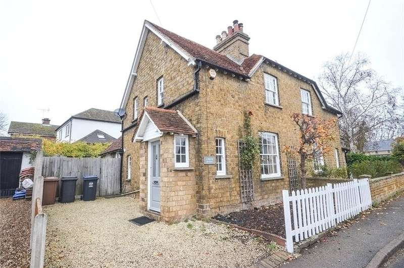 3 Bedrooms Semi Detached House for sale in Wigram Cottages, Hadham Cross, Much Hadham, Hertfordshire, SG10