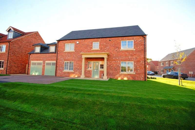 5 Bedrooms Detached House for sale in Bowthorpe Close, South Hykeham