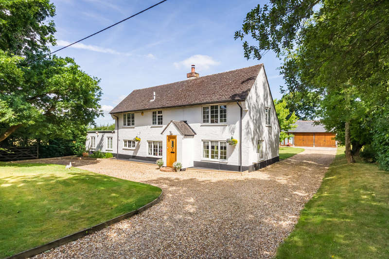 4 Bedrooms Detached House for sale in Hightown, Ringwood, Hampshire