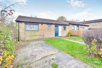 2 Bedrooms Bungalow for sale in Ravigill Place, Hodge Lea, Milton Keynes, Buckinghamshire
