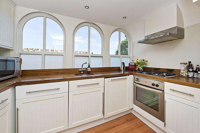 1 Bedroom Flat for sale in Aldridge Road Villas, London, W11