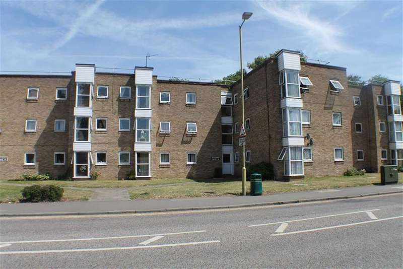2 Bedrooms Flat for sale in Southdown House, Harpenden, Hertfordshire