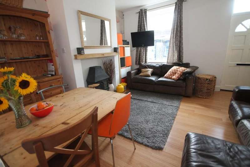2 Bedrooms Terraced House for sale in Well Street, Todmorden