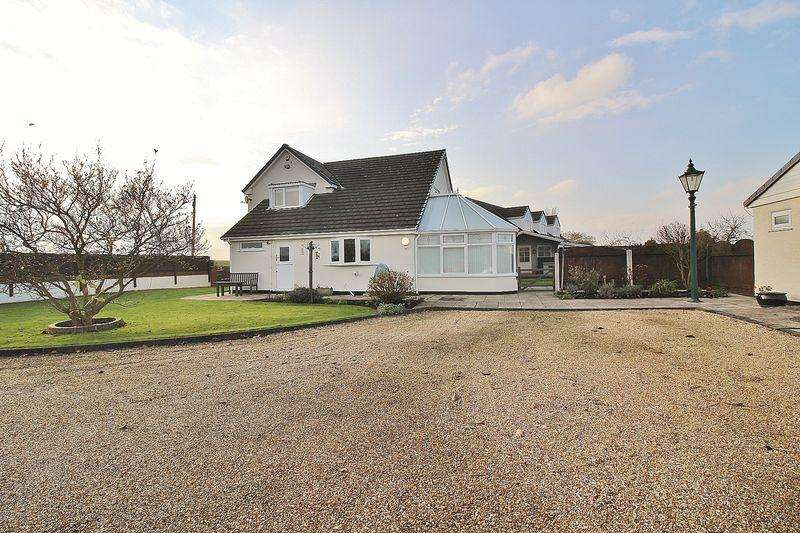 3 Bedrooms Detached House for sale in Church Lane, Lydiate