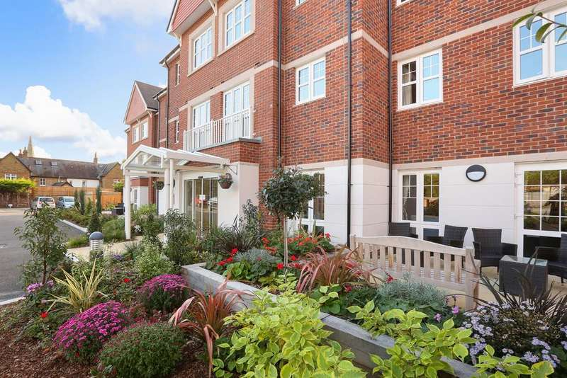 1 Bedroom Retirement Property for sale in Swift House, St Luke's Road, Maidenhead