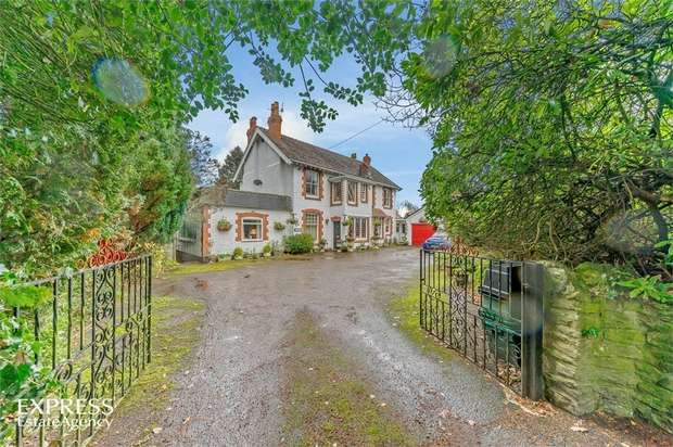 4 Bedrooms Detached House for sale in Watling Street North, Church Stretton, Shropshire