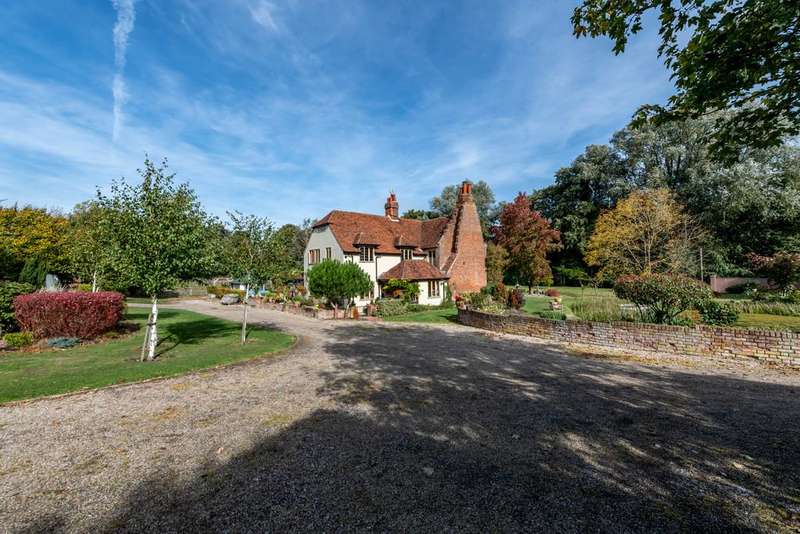 4 Bedrooms Detached House for sale in Coggeshall, Colchester