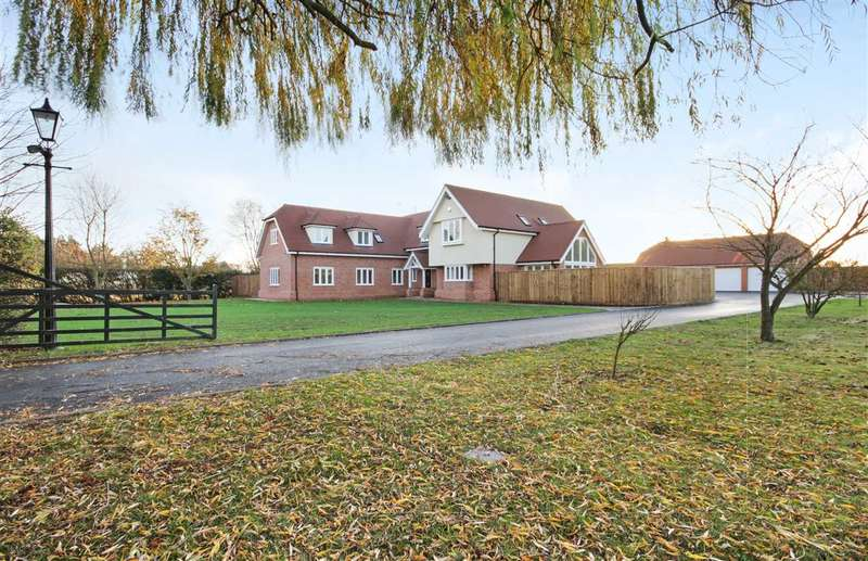 5 Bedrooms Detached House for sale in Great Tey Road, Little Tey