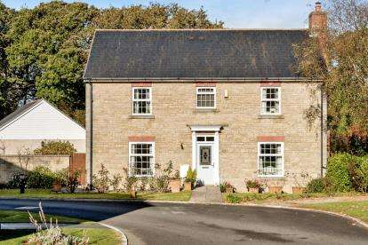 4 Bedrooms Detached House for sale in Lanhydrock, Bodmin, Cornwall