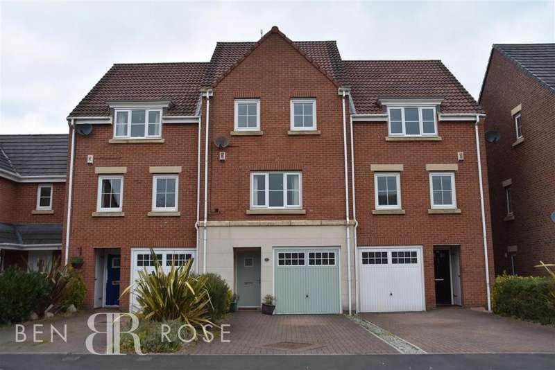 3 Bedrooms House for sale in Baker Close, Buckshaw Village, Chorley